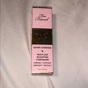 Too faced Born this way concealer **new**